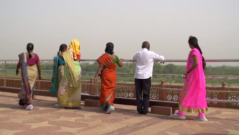 Women-in-Saris-Walking