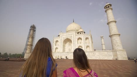 Two-Women-Looking-at-the-Taj-Mahal