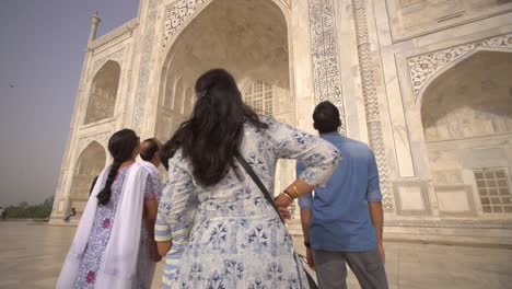 Panning-Shot-of-Sightseers-at-the-Taj-Mahal-2