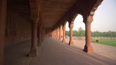 U-Turn-Around-a-Column-in-an-Arched-Walkway