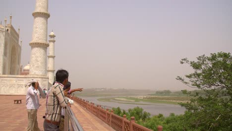 People-Overlooking-Taj-Mahal-Grounds