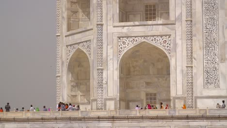 Decorated-Arches-of-the-Taj-Mahal