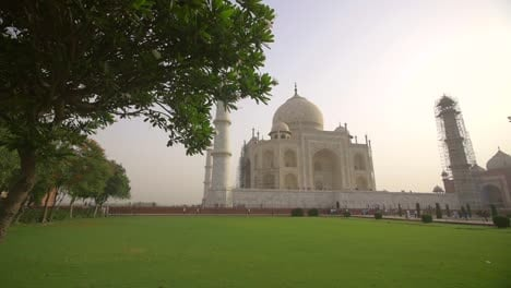 Tracking-Shot-of-the-Taj-Mahal