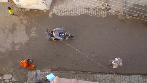 Birds-Eye-View-of-Pedestrians-in-an-Indian-Street