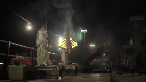 Focus-Pull-on-Varanasi-Night-Ceremony