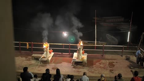 Evening-Ceremony-in-Varanasi-India
