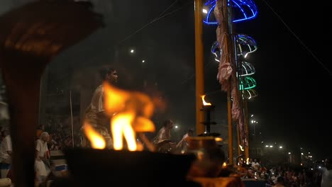 Men-Performing-Ganga-Aarti-Ceremony-in-India