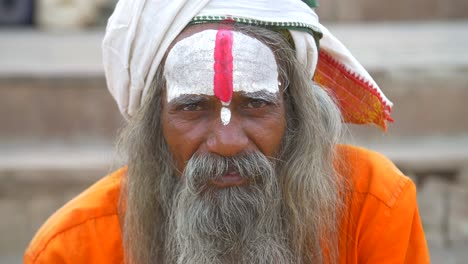 Close-Up-of-Sadhu-Face