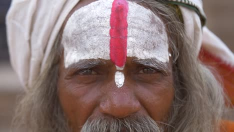 Close-Up-of-Sadhu-Face-2