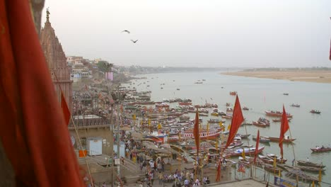 Handheld-Shot-of-the-Ganges-Riverbank