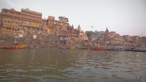 Man-Rowing-Boat-on-the-Ganges