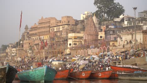 Rowing-Boats-Moored-at-Dashashwamedh-Ghat