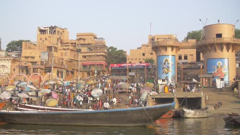 Reveal-Shot-of-Dashashwamedh-Ghat