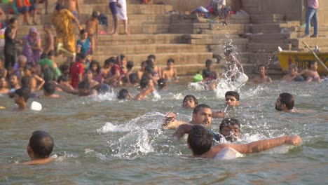 Tracking-a-Swimmer-by-Dashashwamedh-Ghat