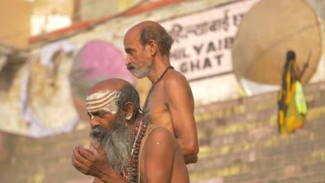 Reveal-Shot-of-Sadhu-Painting-Face