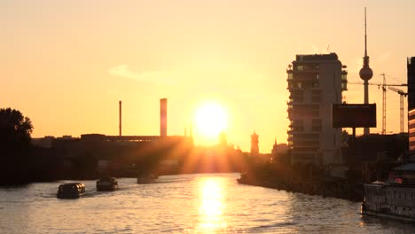 River-Spree-Berlin-at-Sunset