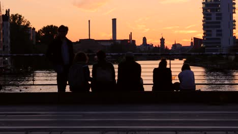 Busy-Bridge-at-Sunset-in-Berlin