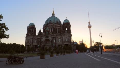 Berliner-Dom-and-Fernsehturm-at-Sunrise