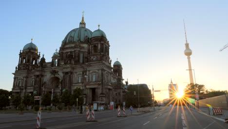 Berliner-Dom-at-Sunrise