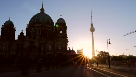 Berliner-Dom-Silhouetted-at-Sunrise