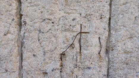 Close-Up-of-The-Berlin-Wall