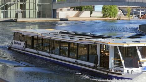 Tourist-Boat-on-River-Spree