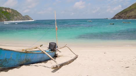 Indonesian-Pump-Boat-on-a-Beach