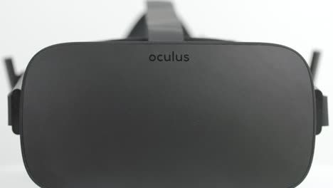 Focus-Pull-on-VR-Headset