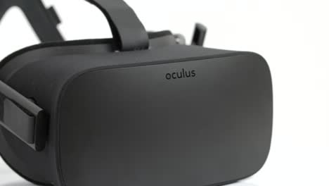 Tracking-Along-an-Oculus-Rift-Headset
