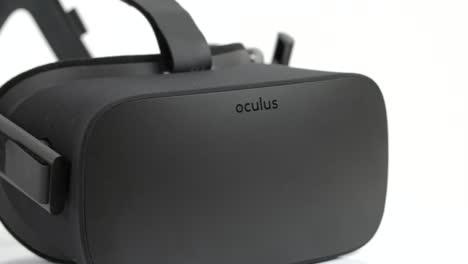 Tracking-Along-an-Oculus-Rift-Headset