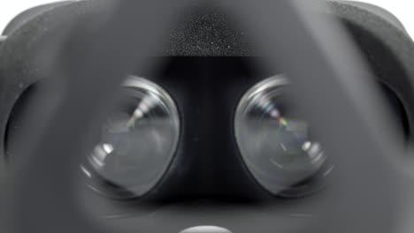 Focus-Pull-on-VR-Headset-Lenses