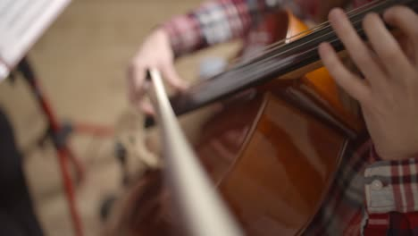 Cellist-Playing-the-Cello