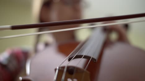 Bow-on-Cello-Strings