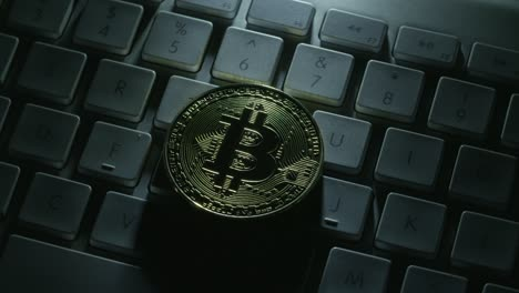 Casascius-Bitcoin-on-a-White-Keyboard