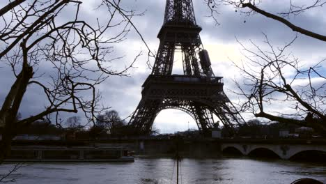 Silhouetted-Eiffel-Tower-and-Flooded-Seine