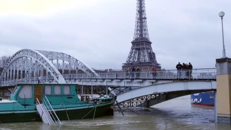 Paris-Floods-with-Eiffel-Tower-in-Background