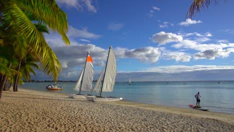 Sailboats-on-Beach-in-Mauritius
