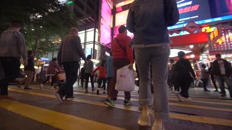 Busy-Hong-Kong-Crosswalk