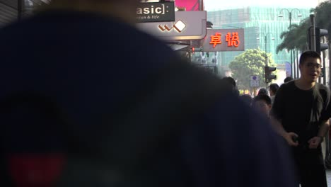Crowded-Hong-Kong-Sidewalk
