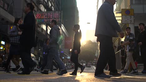 Busy-Hong-Kong-Street-at-Sunset
