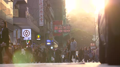 Busy-Street-in-Hong-Kong-at-Sunset