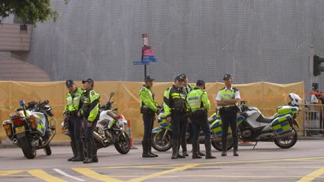 Group-of-Police-Officers-in-Hong-Kong