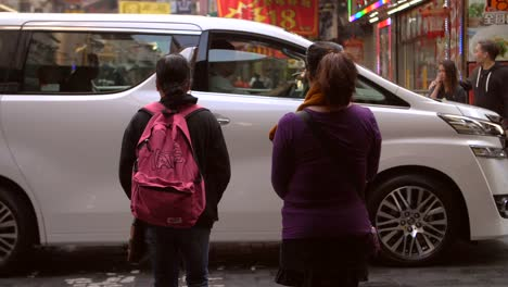 Women-Walking-in-Hong-Kong-Street