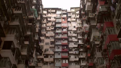 Reveal-Shot-of-Hong-Kong-Tower-Block