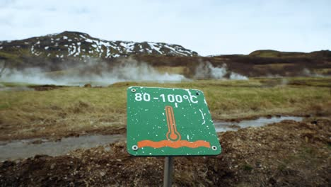 Temperature-Sign-by-Icelandic-Geyser