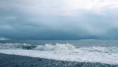 Waves-Crashing-in-Slow-Motion