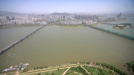 Overlooking-Seoul-City