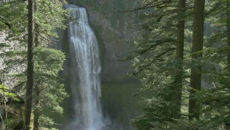 Salt-Creek-Falls