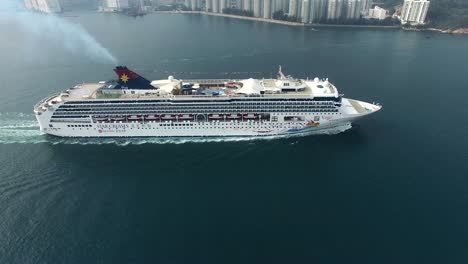 Cruise-Liner-3