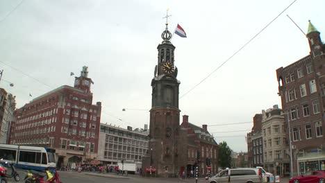 Amsterdam-Munttoren-with-Flag
